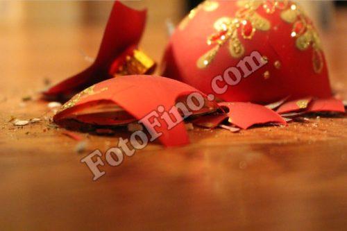 Broken Ornament - FotoFino.com