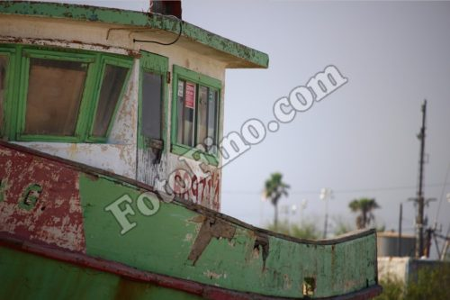 Old Green Boat - FotoFino.com