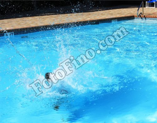 Pool Splash - FotoFino.com