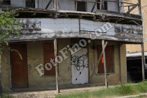 Abandoned Building - FotoFino.com